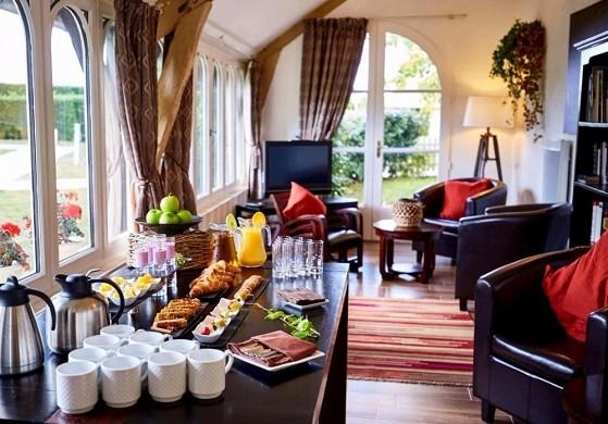 Le fleuray hotel & restaurant le colonial - buffet