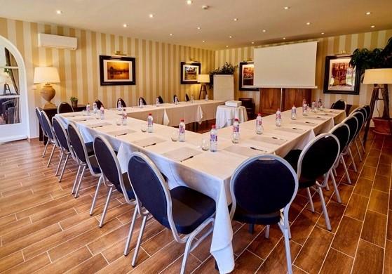 Le fleuray hotel & restaurant le colonial - sala de seminarios