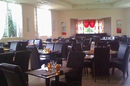 Restaurant Du Chateau La Roche Maurice