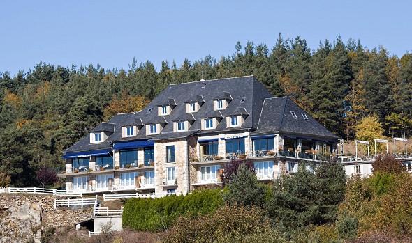 Hotel le Panorama-Garage anglards von Saint Flour Fassade