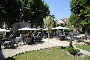 Hostellerie de la Porte Bellon - exterior / terrace