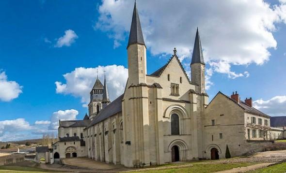 Abadía real de hierro fundido - fachada