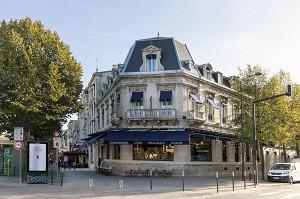 Continental Hotel - Außenansicht