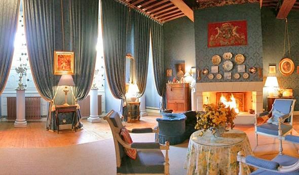 Castello Brissac - salone della suite del Marchese