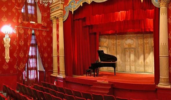 Castle Brissac - vista del teatro