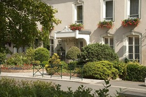 Grand Hotel de Solesmes - Exterior