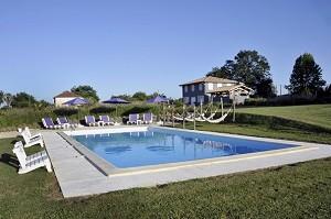 La Petite Couronne - piscina