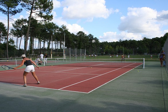 The villages under the pines - Tennis Court