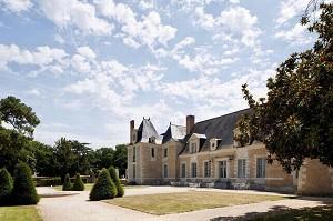 Seminar room: Château de la Perriere -