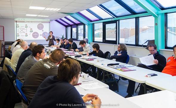 Lab coworking - 24 sala riunioni può ospitare max, 40 luoghi disposizione conferenza