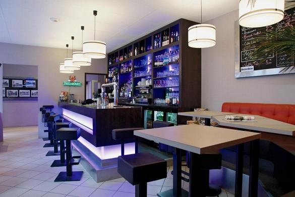 Hotel Place de Aunay-sur-Audon - bar