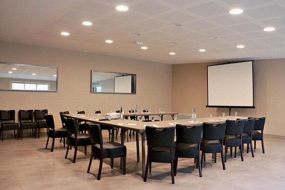 Hotel Place de Aunay-sur-Audon - sala per seminari