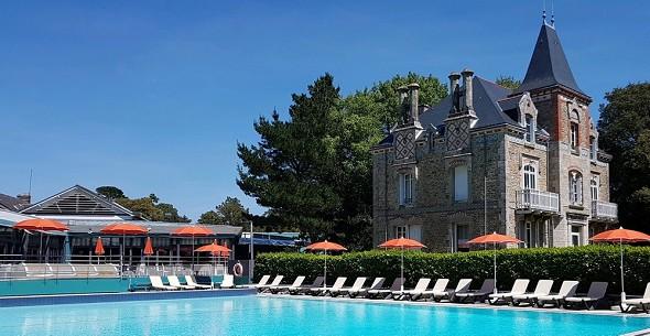 Domaine ker juliette - seminario de bandera de piscina y villa