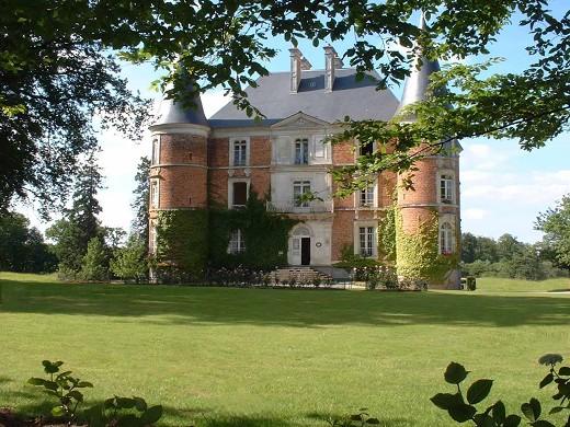 Chateau d'apigne - exterior
