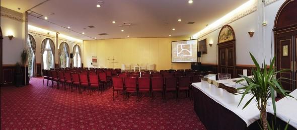 Chateau d'apigne - meeting room