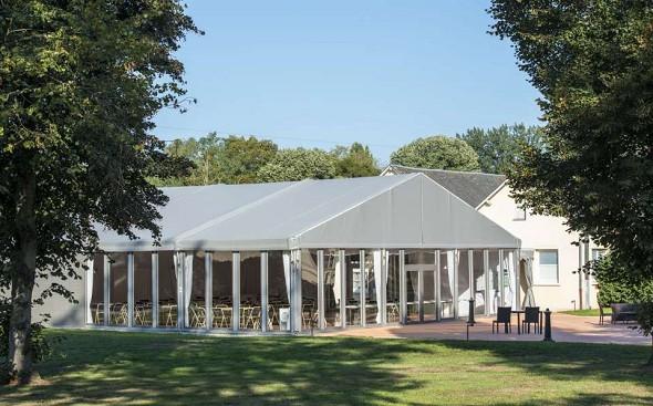 Mans Country Club - Wintergarten im Freien