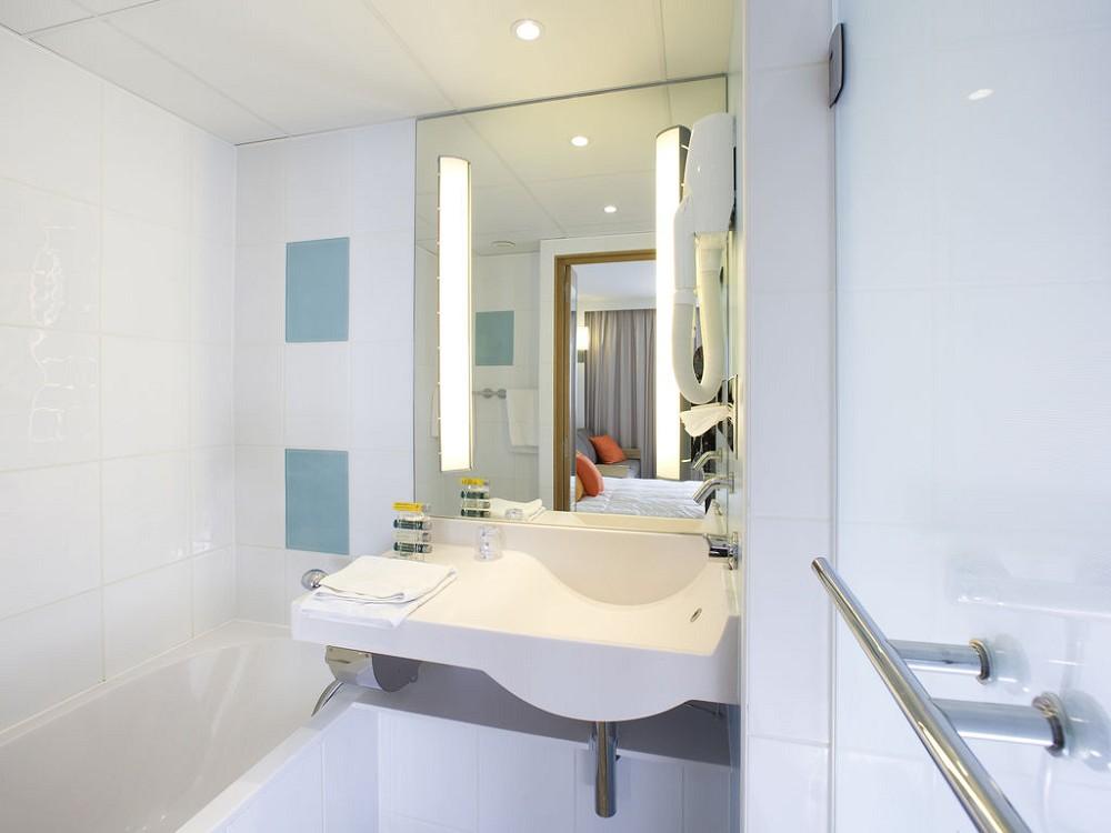 Novotel reims tinqueux salle s minaire reims 51 for Devis salle de bain reims