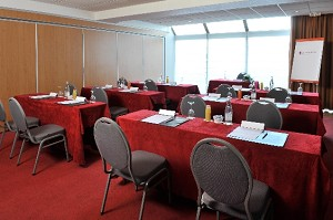 Salon Neuville -  Best Western Paris Saint Quentin
