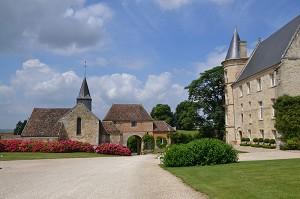 Domaine de Boissy le Bois - Il castello e il portico d'ingresso