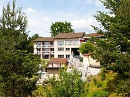Hotel du Lac Lacapelle Viescamp - la facciata istituzione