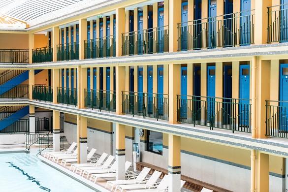 Molitor Paris von mgallery - die Korridore des Winterbeckens: Möglichkeit eines künstlerischen Besuchs rund um die Werke