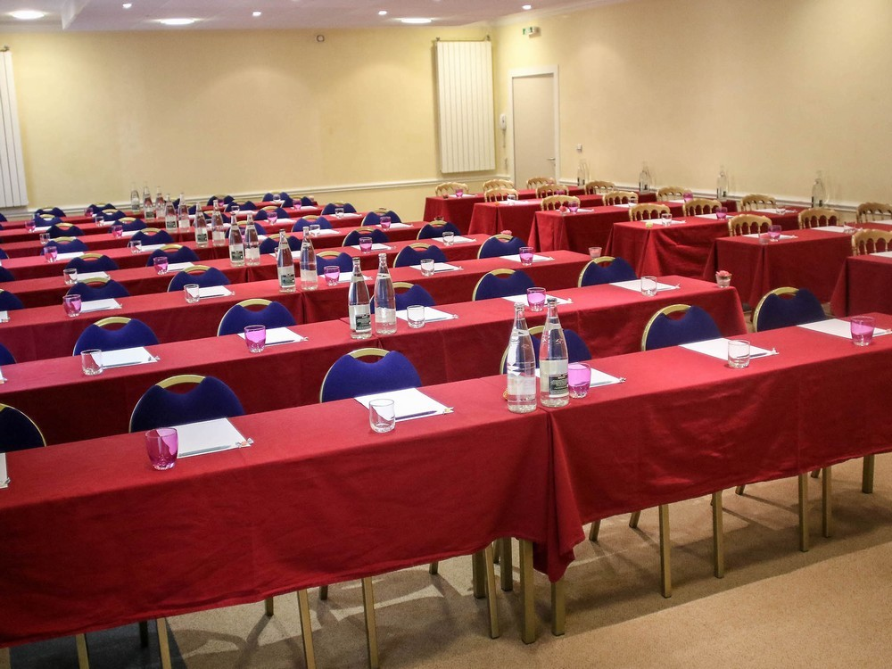 Mercure Saint Nectaire Spa And Wellbeing Seminar Room Clermont