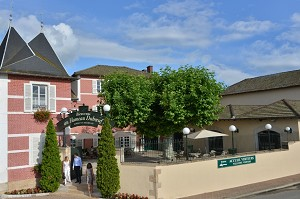 Hameau du Vin - Duboeuf - Heimat dieses ungewöhnlichen Ort