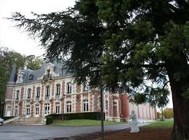 Kulturraum des Château des Rochers - Fassade