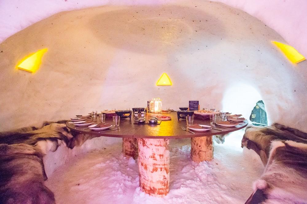 village igloo blacksheep salle s minaire grenoble 38. Black Bedroom Furniture Sets. Home Design Ideas