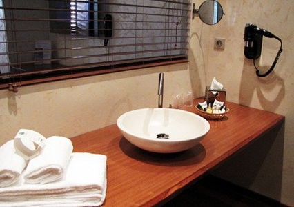 Gua Island suites - bathroom