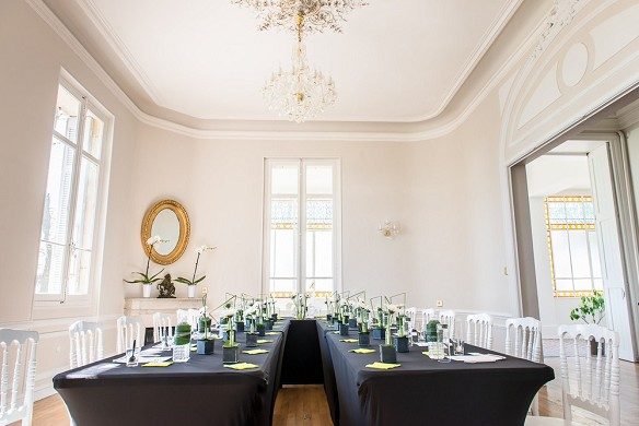 Château la beaumetane - meeting room