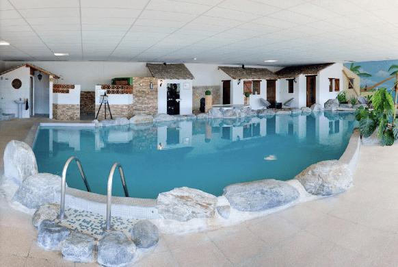 Roman Camp Inn - indoor pool