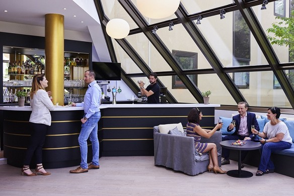 Mercure se eleva bar sur
