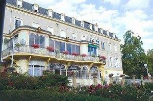 Grand Hôtel Thermal Bourbon-Lancy - Grand Hôtel