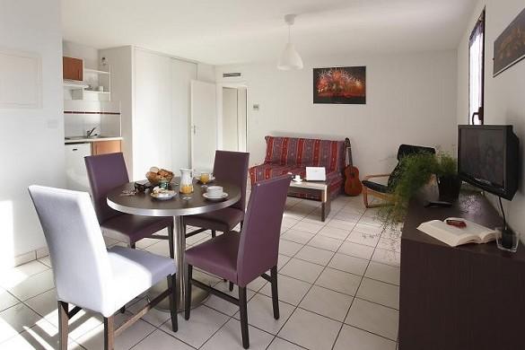 Adonis Carcassonne - residence la barbacane - lounge