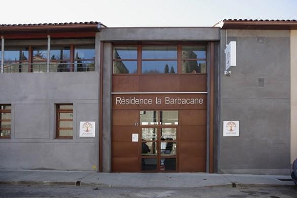 Adonis Carcassonne - residencia la barbacane - la entrada