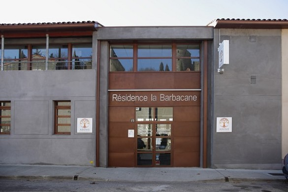 Adonis Carcassonne - residence la barbacane - l'ingresso