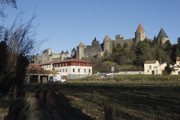 Adonis Carcassonne - residencia la barbacane - visto desde lejos