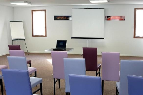 Adonis Carcassonne - residence la barbacane - sala de reuniones 2