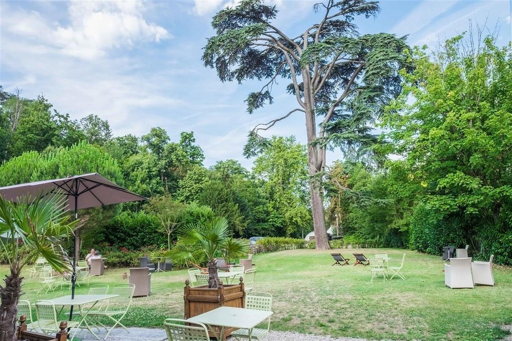 Domaine des thômeaux, hotel ristorante spa - giardino