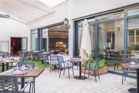 Domaine des thômeaux, hotel restaurante spa - terraza