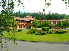 La Chataigneraie Cantal - lugar a verde en el Cantal