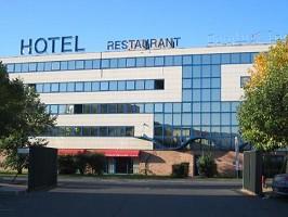 Euro Hotel Orly Rungis - a estrela fachada do hotel 3