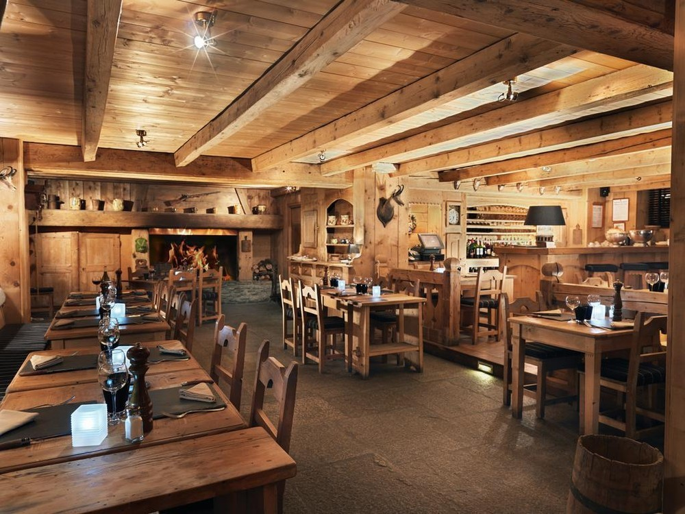 The horseshoe - restaurant