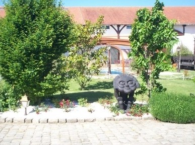 Holy radegonde Garden Farm