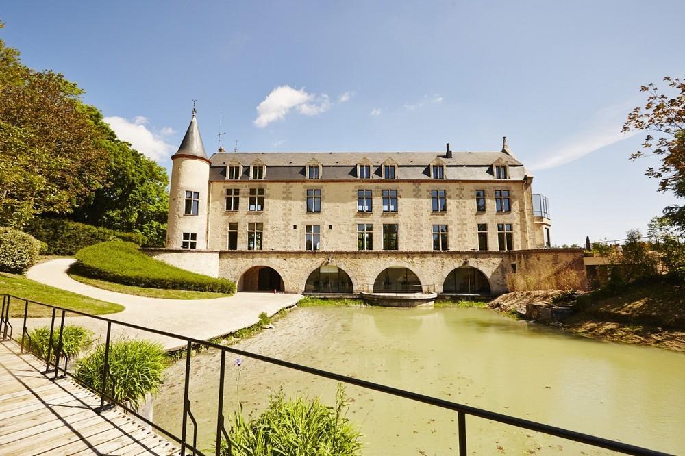 Châteauform 'campus de cély - facade of the place
