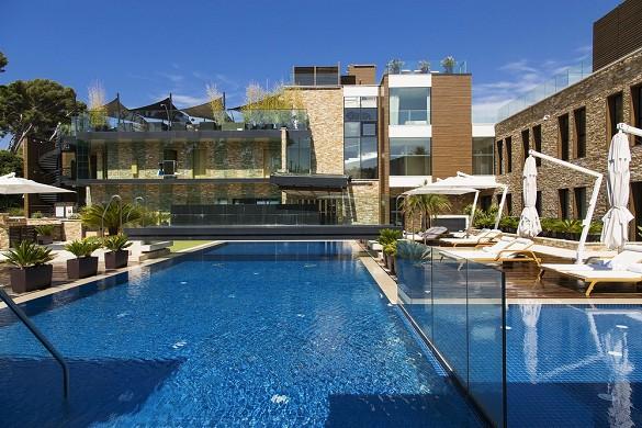 Hostellerie la farandole - piscina all'aperto