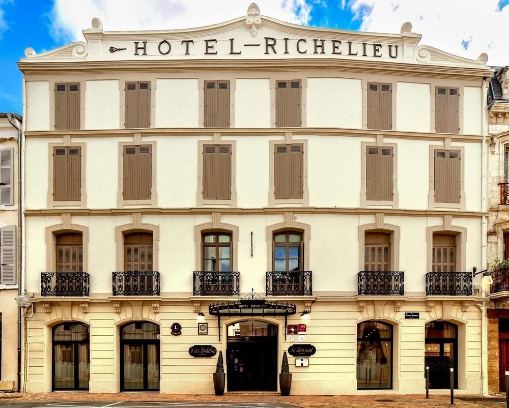 Hôtel richelieu mont-de-marsan - facade