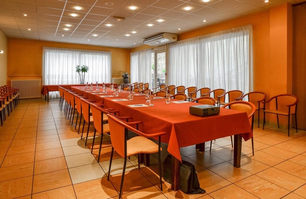 Hôtel richelieu mont-de-marsan - seminar room