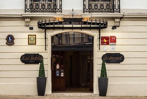 Hôtel richelieu mont-de-marsan - recepción